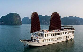 Garden Bay Premium Cruise Halong 2 days/ 1 night