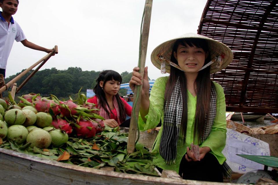 daily-life-on-mekong-river