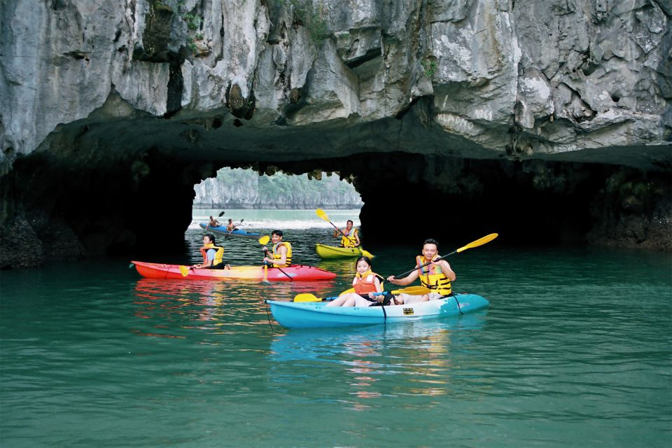visit-cave-la-regina-royal-cruise-2-days-1-night