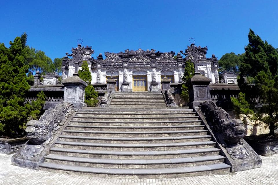da-nang-hoi-an-ba-na-hills-hue-group-tour-4-days-6