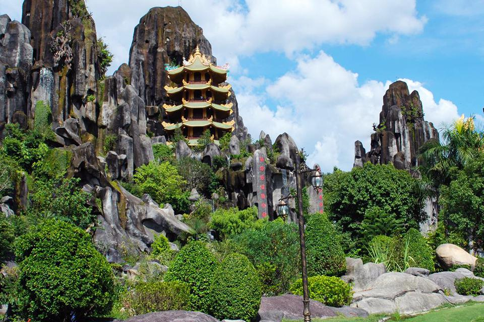 da-nang-hoi-an-my-son-hue-4-days-group-tour-1