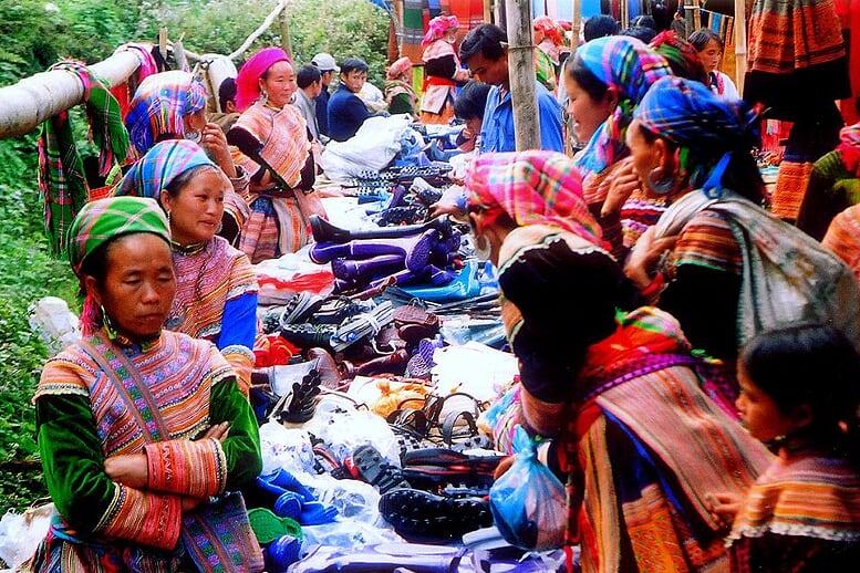 sapa-trekking-bac-ha-market-3d4n-11