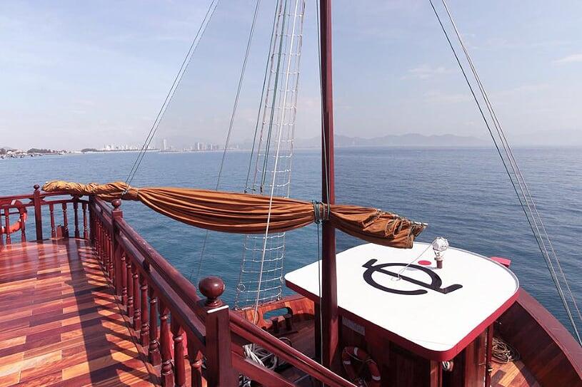 emperor-day-cruise-1