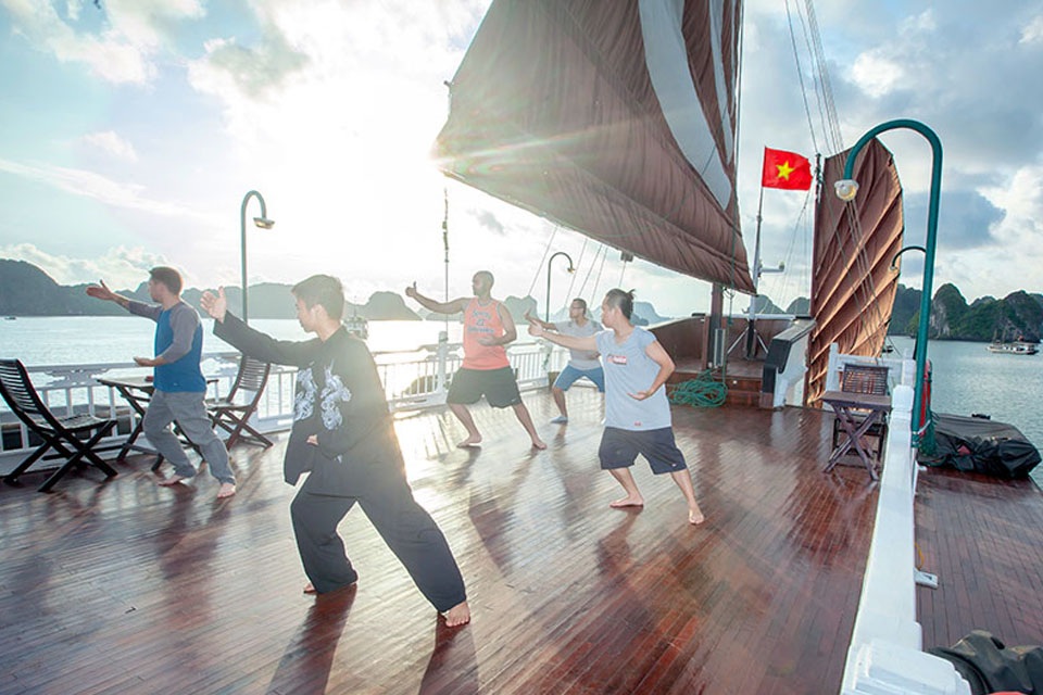 tai-chi-violet-cruise-2-days-1-night-3
