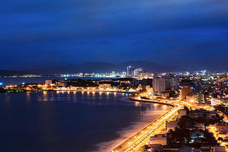 night-cruise-on-nha-trang-bay-5