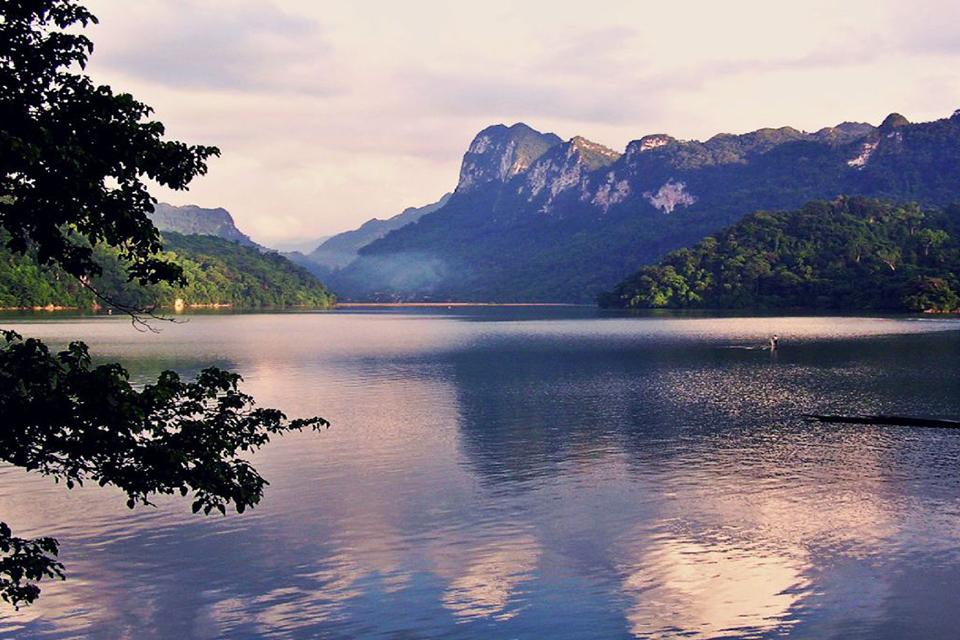 960-ba-be-lake