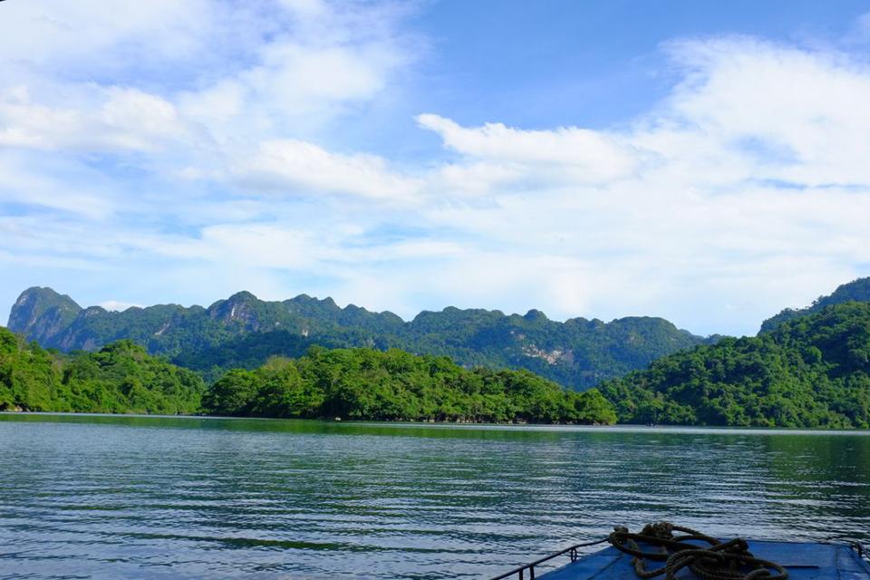960-ba-be-lake-boat-trip