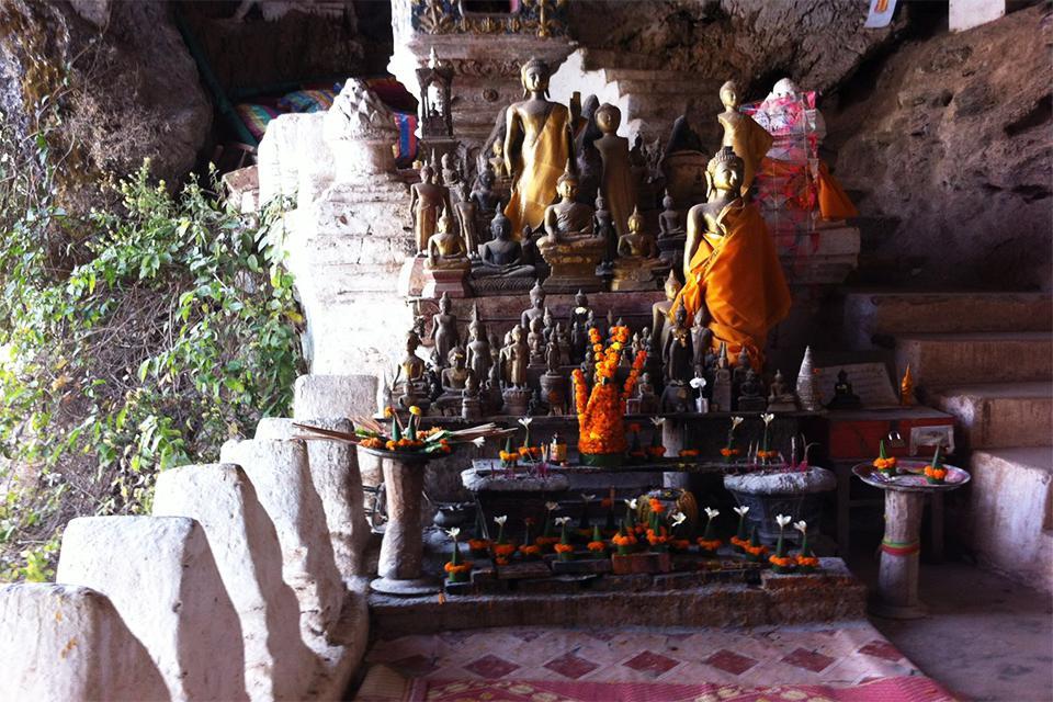 buddha-statues-at-pak-ou-caves
