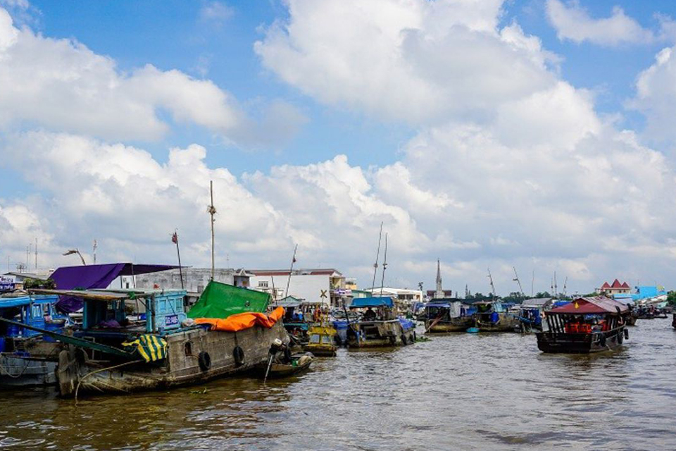 cai-be-floating-market-tan-phong-island-full-day-group-tour-2