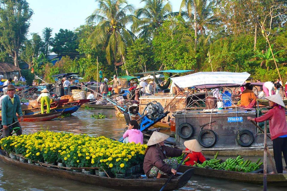 cai-be-market-cai-be-vinh-long-private-day-trip-2