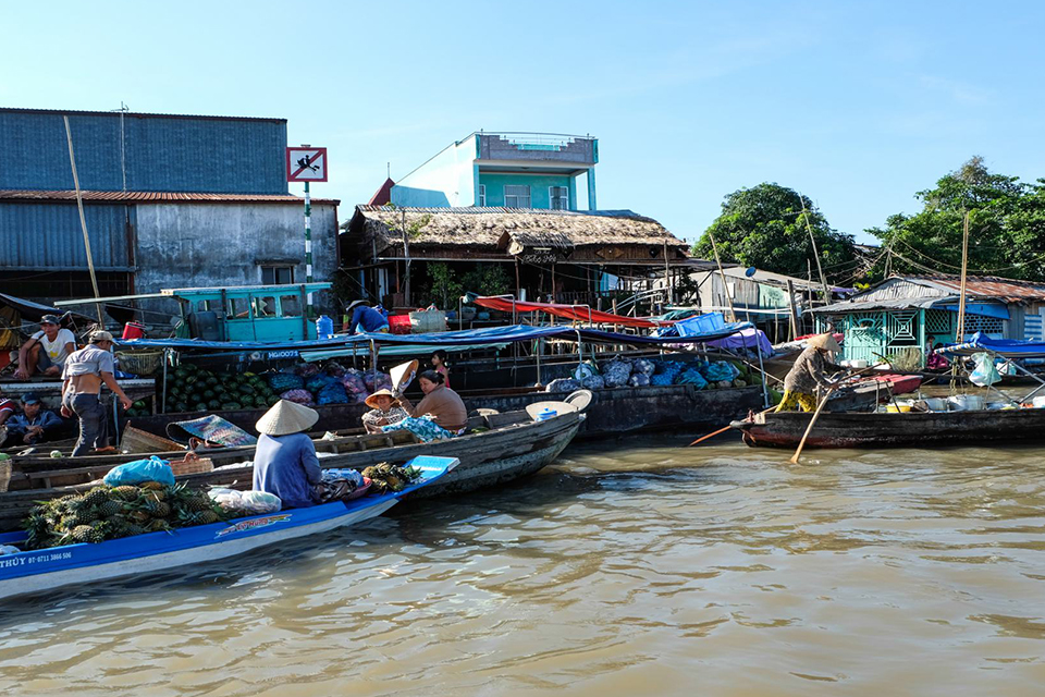 cai-rang-market-my-tho-ben-tre-can-tho-2-days-1