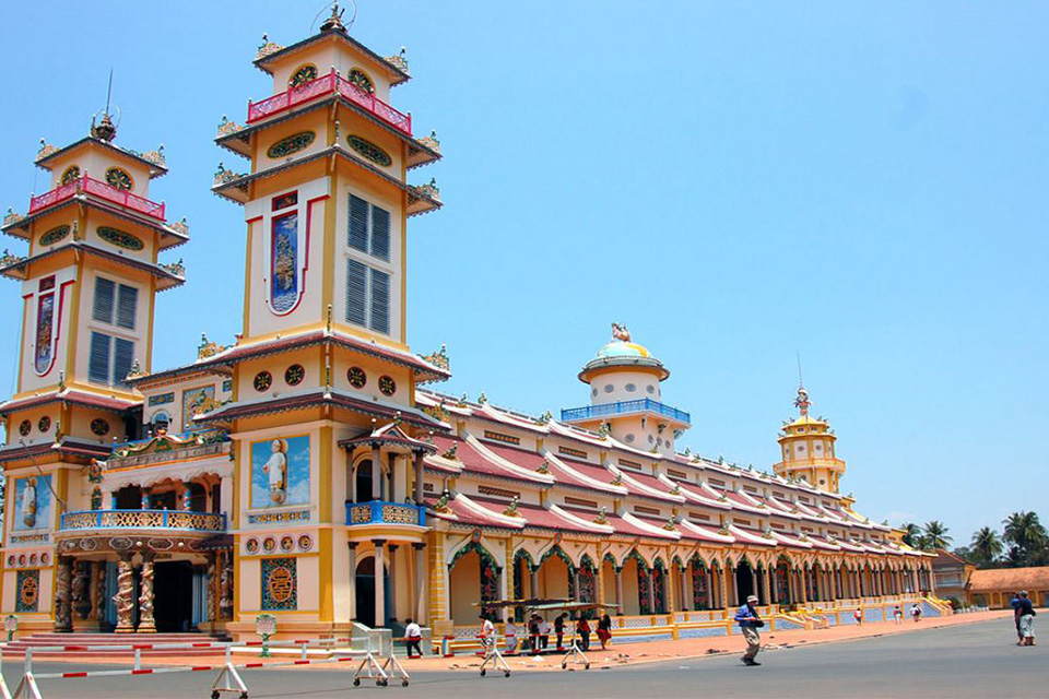 cao-dai-temple