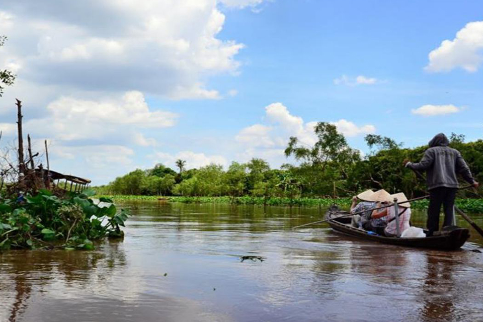 charming-waterway-on-tan-phong-island
