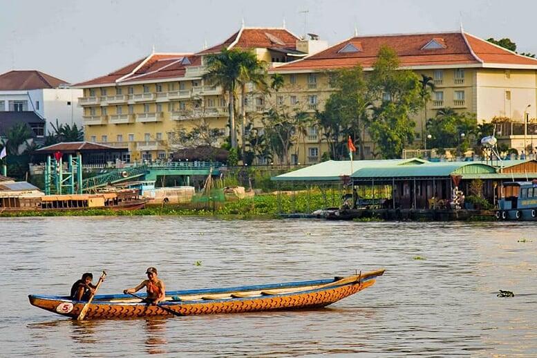vietnam-cambodia-biking-tour-chau-doc-5