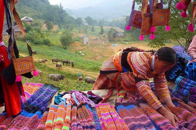sapa-trekking-and-coc-ly-market-3
