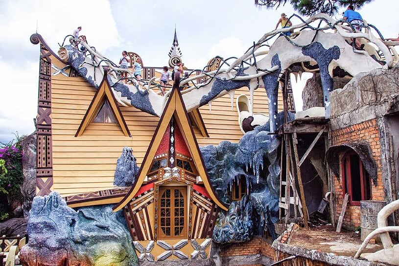 crazy-house-2