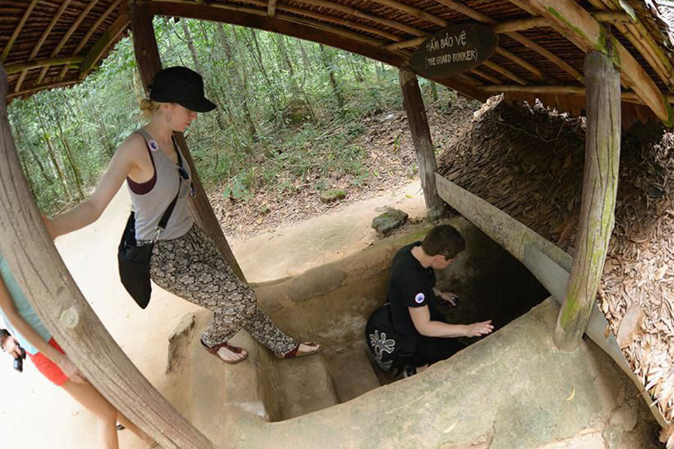 cu-chi-cu-chi-tunnels-boat-tour-and-little-mekong-delta-tour-4