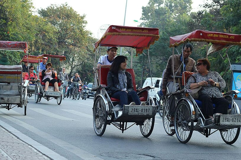 cyclo-around-hanoi-2