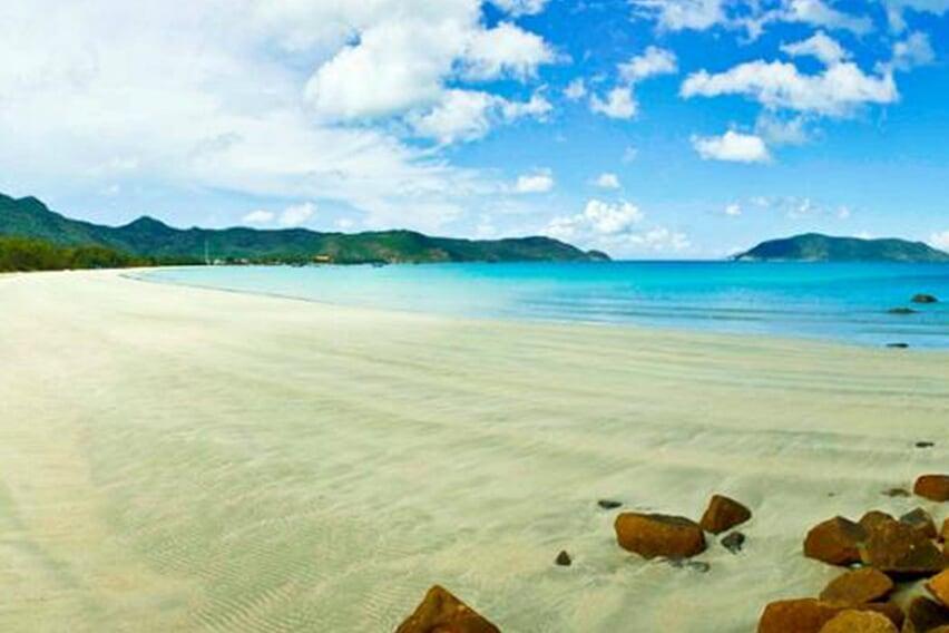 dam-trau-beach-con-dao-2