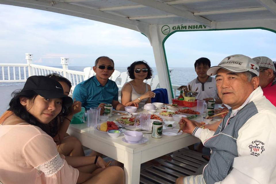 phu-quoc-sunrise-fishing-tour-1
