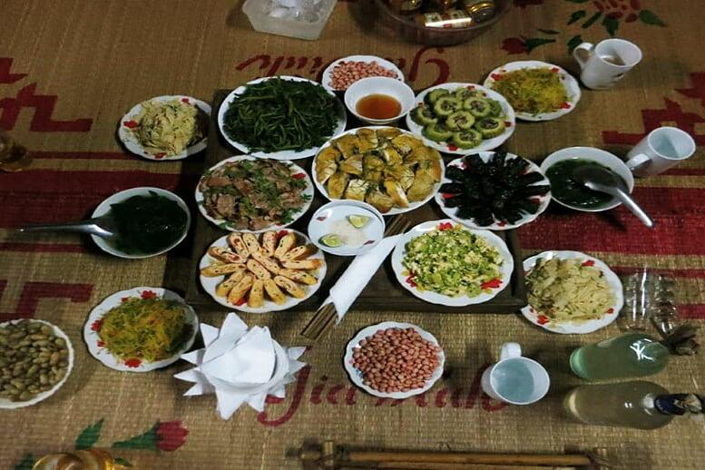 northern-viet-nam-laos-13-days-dinner-mai-chau-9