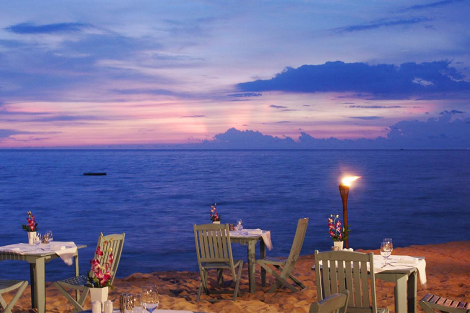 dinner-on-the-beach-phu-quoc-honeymoon-4days-2