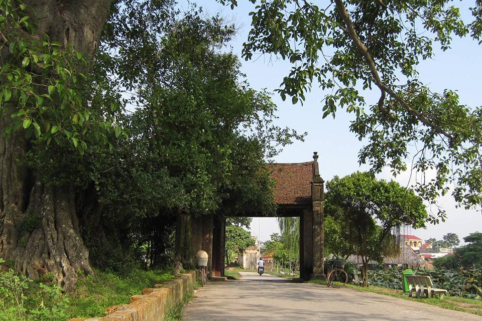 thay-pagoda-tay-phuong-pagoda-duong-lam-village-full-day-private-2