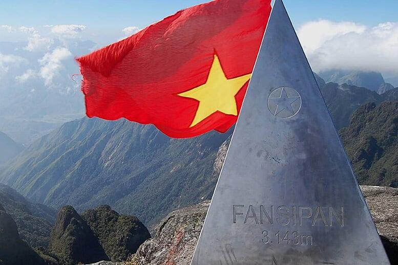 conquer-fansipan-peak-3d4n-2