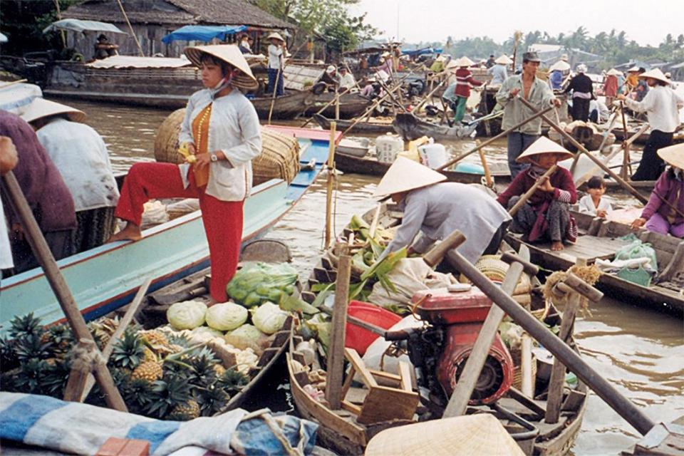 960-floating-market-mekong