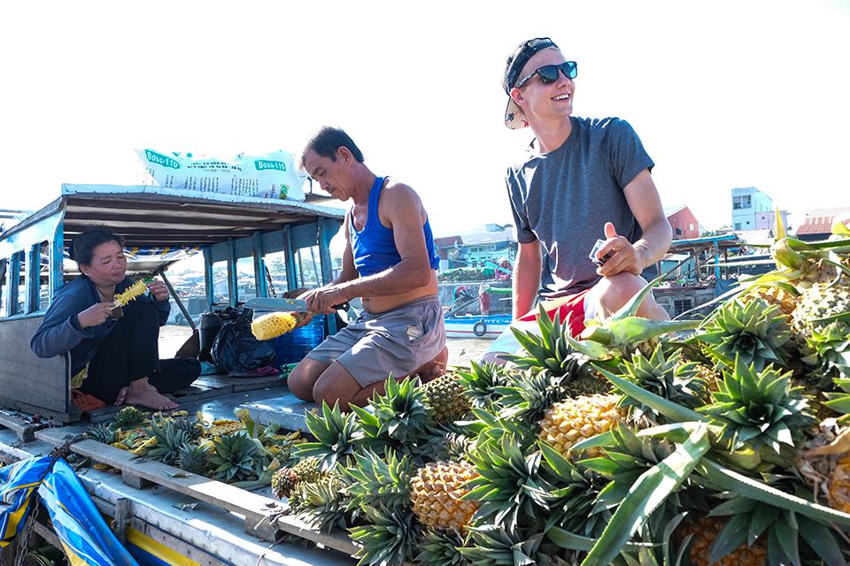 960-fruit-boat-cai-rang-floating-market