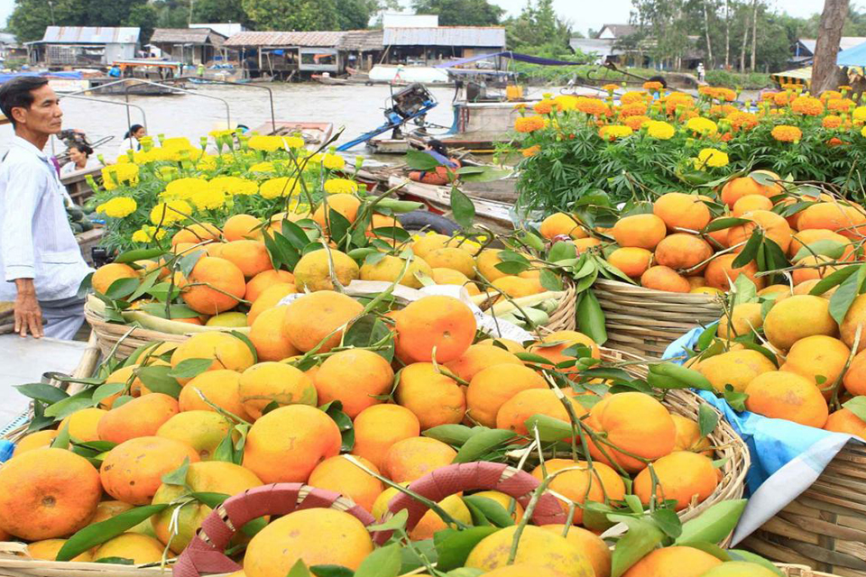 960-fruits-in-floating-market