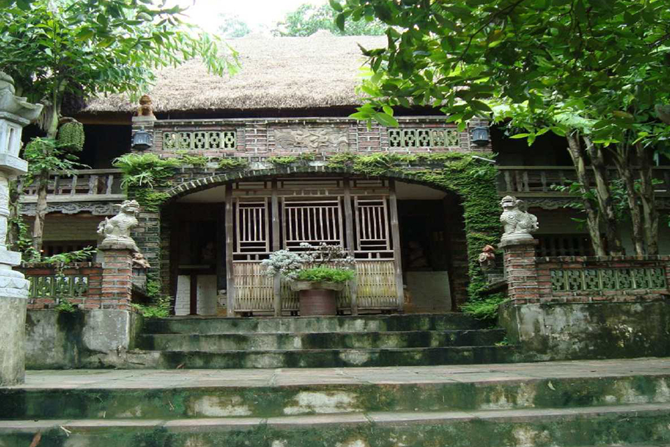 thanh-chuong-palace-giong-temple-half-day-1
