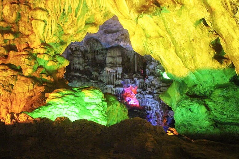 northern-viet-nam-laos-13-days-cave-halong-1