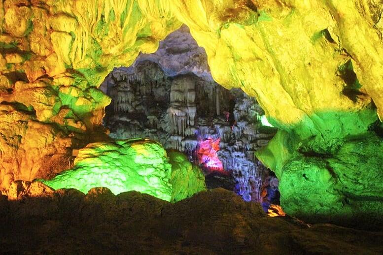 northern-viet-nam-laos-13-days-cave-halong-1