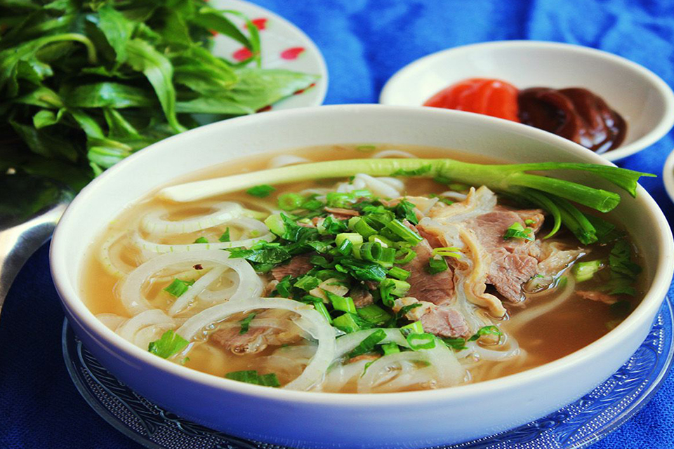 hanoi-street-food-tour-3-hours-3