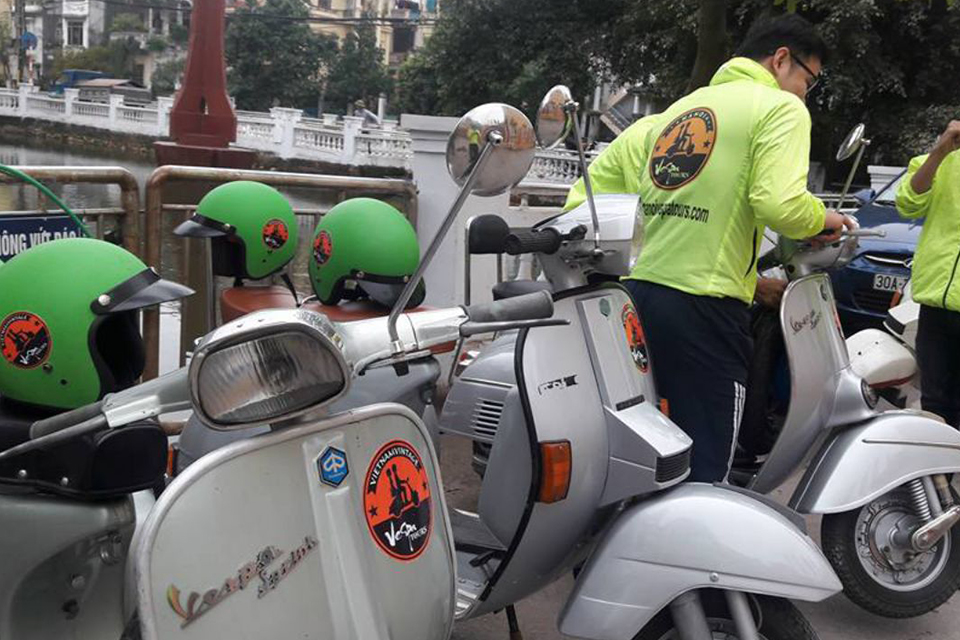 the-insider's-hanoi-by-vespa-1