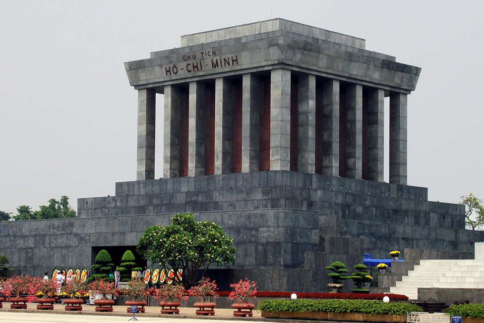 ho-chi-minh-mausoleum-hanoi-city-group-1