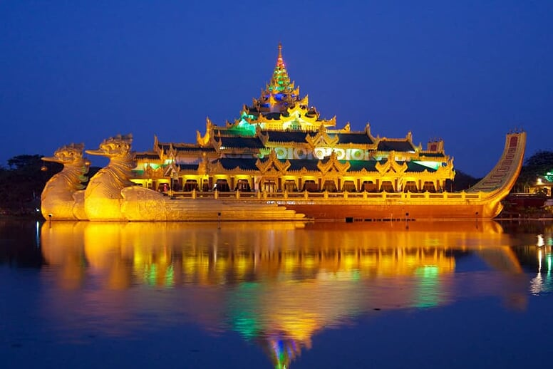 yangon-bago-yangon-3-days-2-nights-karaweik-kandawgyi-lake-6
