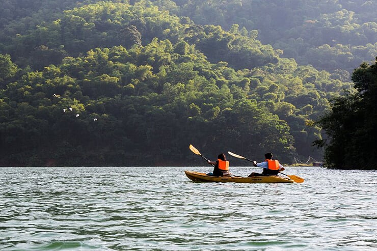kayaking-in-mai-chau