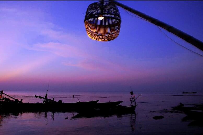 vietnam-cambodia-biking-tour-kep-crab-market-9