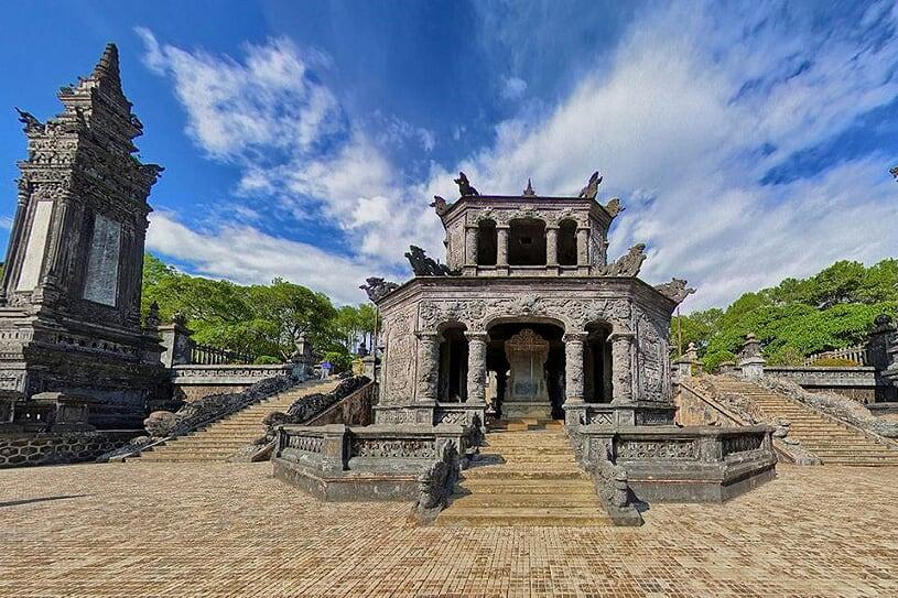 khai-dinh-tomb-1