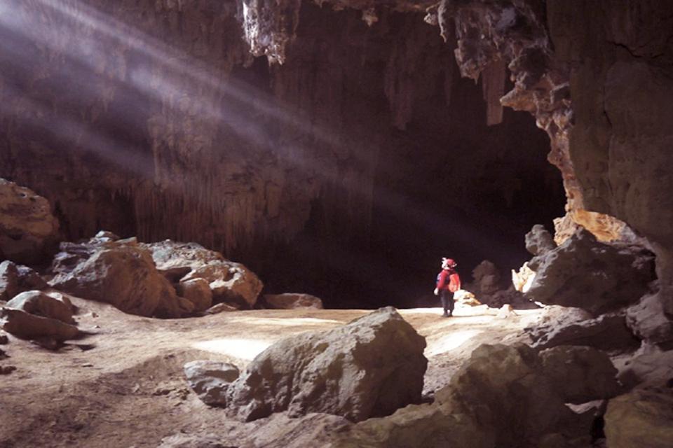 960-kim-cave