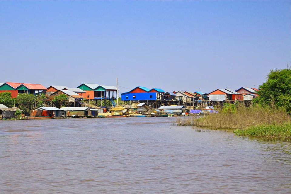 kompong-khleang-floating-village-in-tonle-sap-lake
