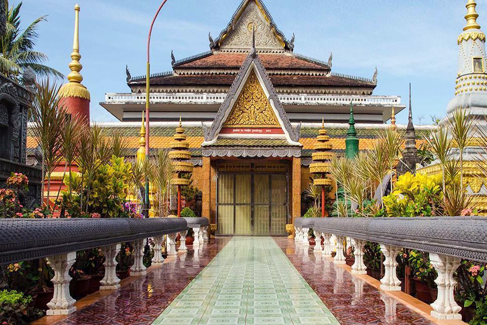 960-laos-temple