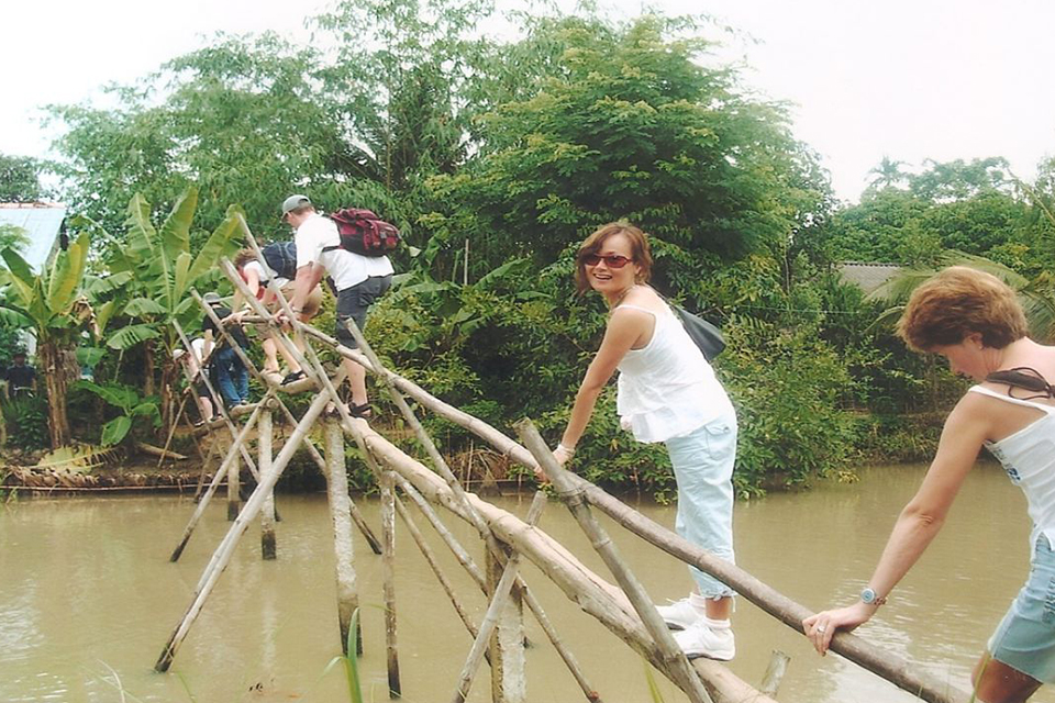 monkey-bridge-private-3-day-mekong-delta-tour-4