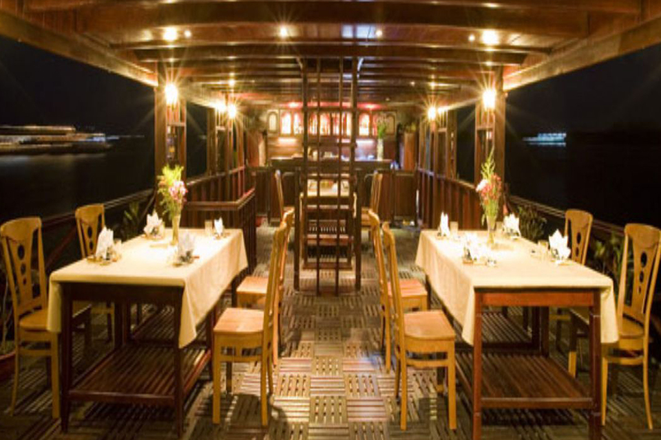 960-mekong-emotion-cruise-restaurant