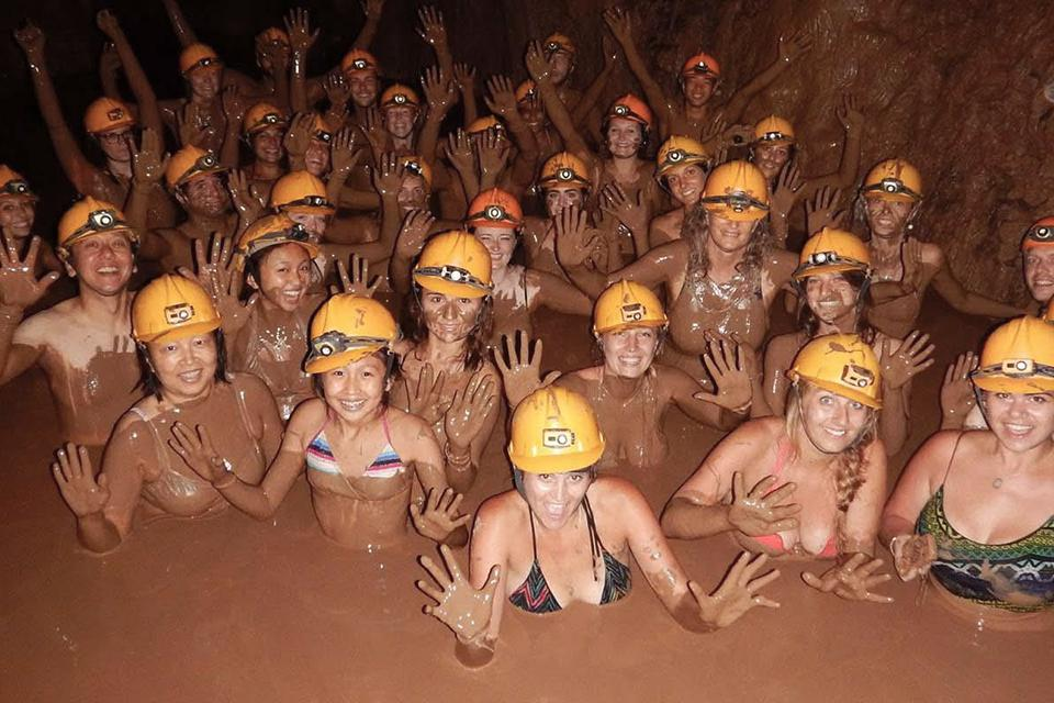 960-mud-bath-in-dark-cave