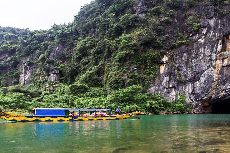 Explore Phong Nha - Ke Bang National Park in depth 3 days/2 nights