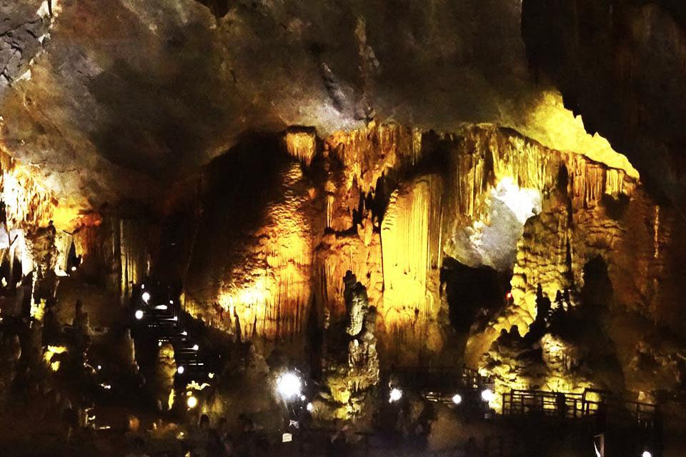 960-paradise-cave-tour