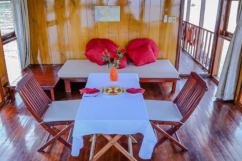 restaurant-gecko-eyes-cruise-cai-be--sa-dec-2-days-2